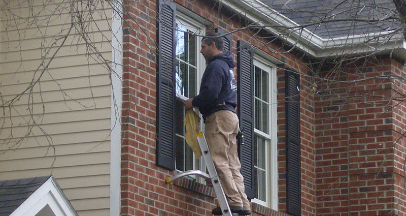 window-cleaning-on-ladders